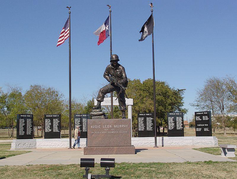 Plaza Amp Statue